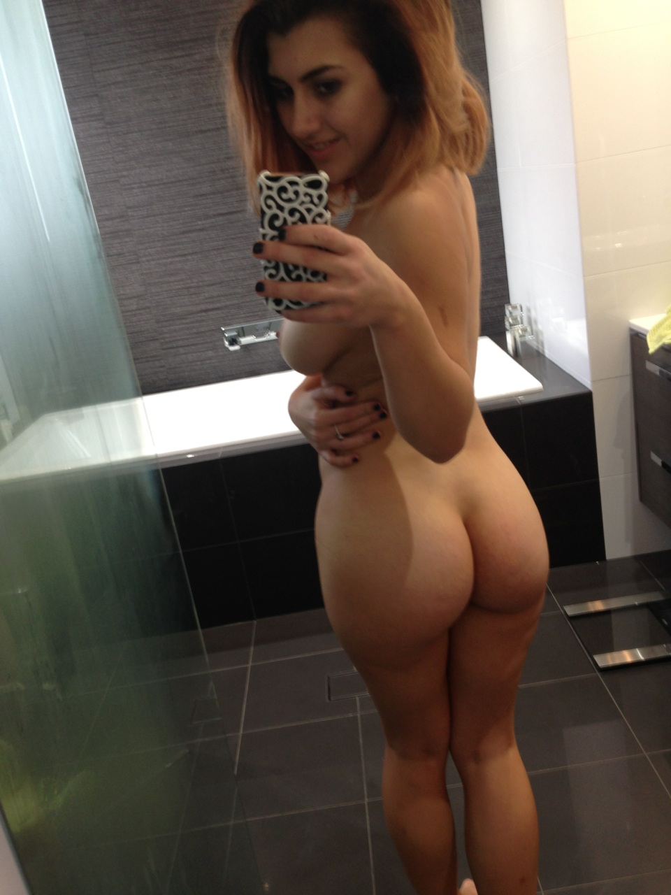 naked-white-girl-self-shots-girl